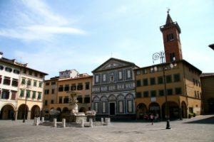 Piazza del Leoni